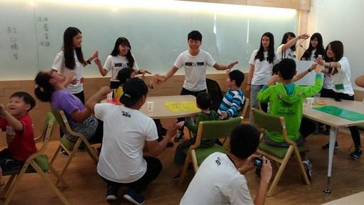在關懷陪伴身心障礙兒時,可激發出人文關懷情操,讓學生在擁有豐厚學養之餘,更能承擔社會大眾對知識份子的期待。