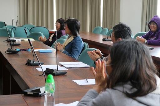 參與磨課師課程出席老師們與講師互動。