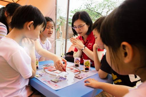 佳音英語世界早餐桌遊趣,讓我們環遊世界吃早餐!