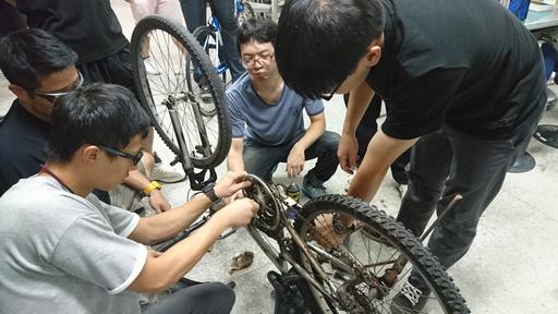 朝陽科大自行車培訓專班口碑佳,吸引有志投入自行車產業之民眾報名,十分熱門。