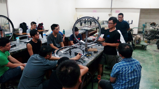 從自行車生產技術到設計研發,朝陽科大自行車人才培訓專班超過300小時的課程訓練,十分扎實。