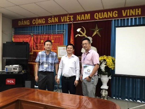 與越南同奈審規劃與投資局 NGUYEN HUU NGUYEN副局長合影