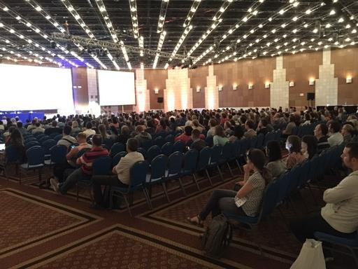 張鋒主講的Tang Prize/IUBMB演講吸引上千人湧入會場