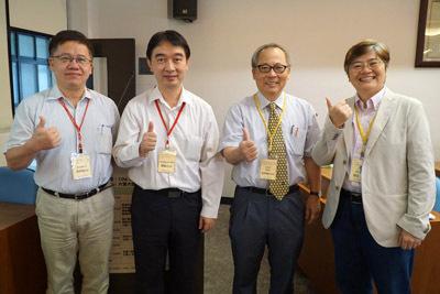 大葉大學教務長施英隆(右二)、宜蘭大學黃朝曦教授(左一)共同主持工作坊開幕