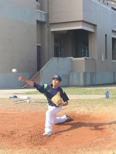 中信金融管理學院棒球隊,陳俊毅選手苦練新球路 ,期盼再接下來的賽事上有亮眼的表現