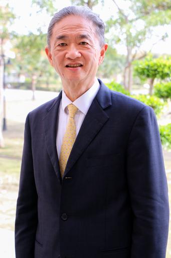 曾任香港法律學院亞洲國際金融法研究所副所長,現為亞洲國際金融法研究所榮譽院士的許方中教授,從香港前往臺灣於中信金融管理學院財經法律學系暨法律研究所擔任教授