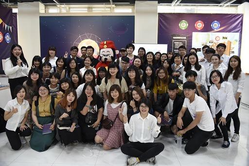 南華傳播系畢業展覽於台灣藝術公司舉行