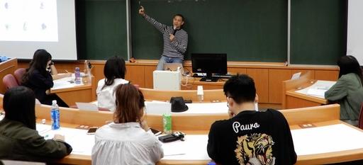 江振誠講座教授以「從廚藝到創意」為題,教導學生成功的精神!