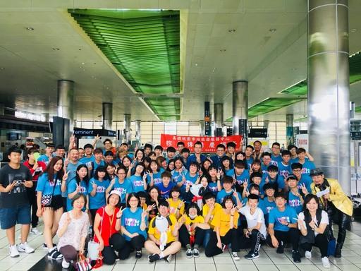 萬能科技大學師生於桃園高鐵站帶動「活力端午」的氛圍