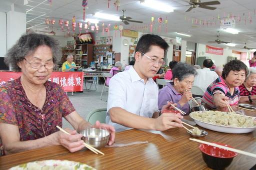 黄健庭县长12日至初鹿与长者共进午餐 期政府与民间共同照护长者