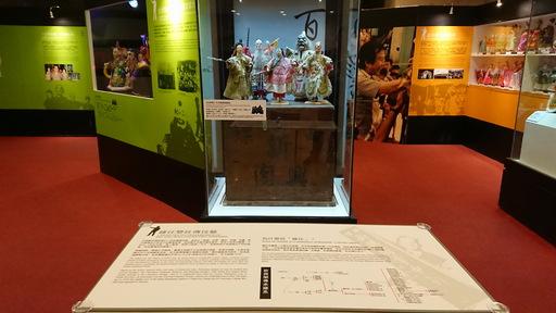 本次展览展出的《封神榜》戏偶,由新兴阁第三代传人钟任秀智传承至今,已有一百多年的历史。.jpg
