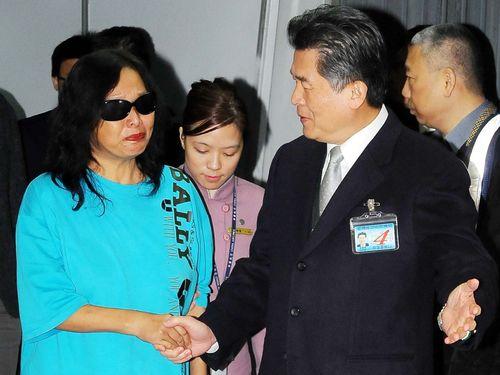 Chang An-wei (left) returns to Taiwan Dec. 21.