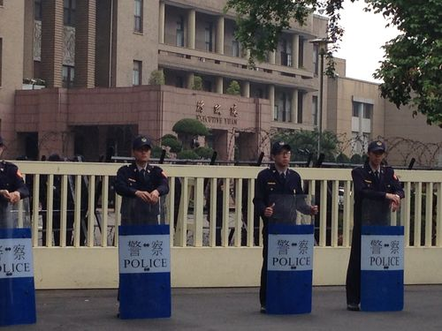 Enhanced security in front of the entrance of the Executive Yuan, which is five-minute walk away from the Legislature.