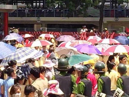Protesters in anti-Chinese rallies earlier in the week. (Photo courtesy of Vietnam-based Taiwanese businessmen)