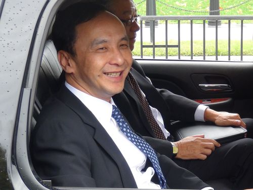 Chu on his way to a meeting at the U.S. National Security Council