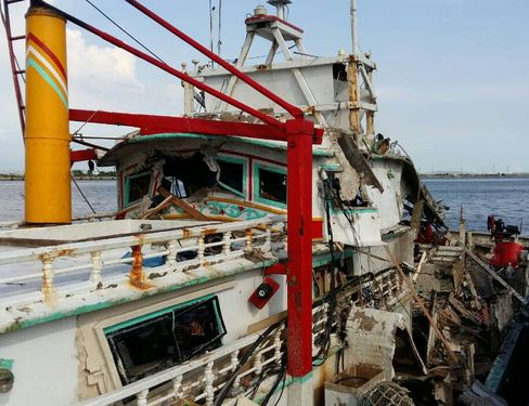 The Hsiang Li Sheng (翔利昇), the fishing boat hit by the missile mistakenly launched from a Navy corvette in Kaohsiung
