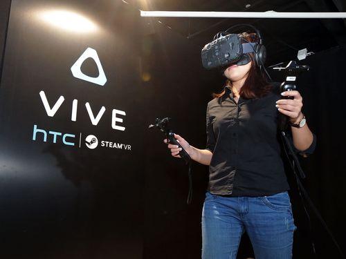 HTC Vive virtual reality (CNA file photo)