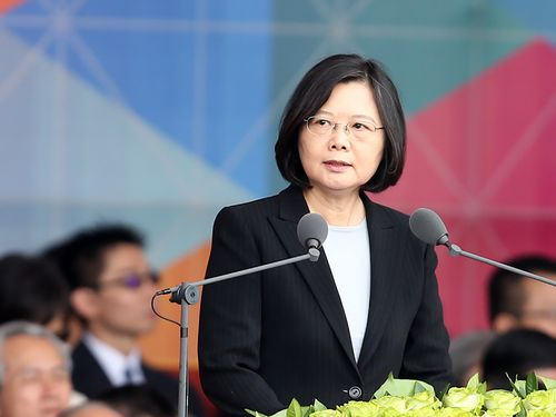 President Tsai Ing-wen (蔡英文) reaffirms her commitment to cross-strait status quo in her National Day address last October. (CNA file photo)