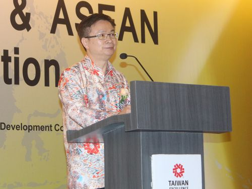 Chairman of the government-sponsor trade promotion group Taiwan External Trade Development Council James Huang (黃志芳) CNA file photo