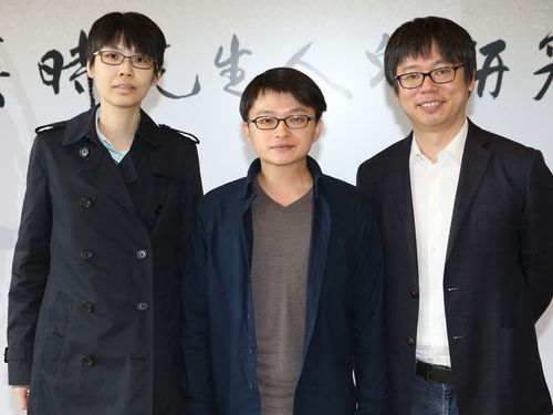 Huang Yi-chun (黃怡君, left), Hsu Sheng-kai (徐聖凱, center) and Hsu Hui-Lin (許暉林, right)