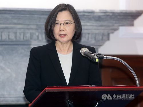 President Tsai Ing-wen (蔡英文) Monday warned Beijing not to alter the status quo across the Taiwan Strait / CNA