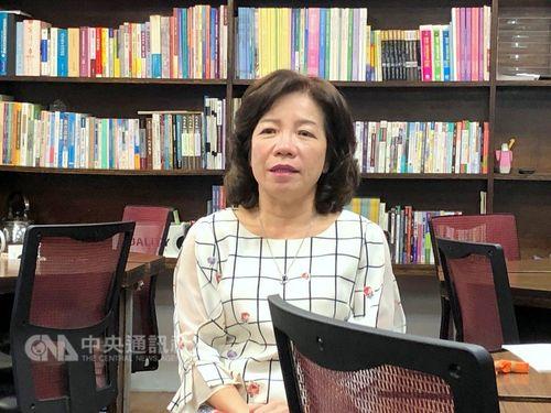 Yang Yu-hui (楊玉惠), director of the MOE