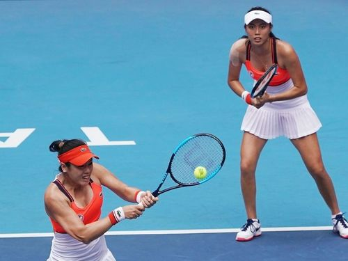 Latisha Chan (front) and Chan Hao-ching / CNA file photo