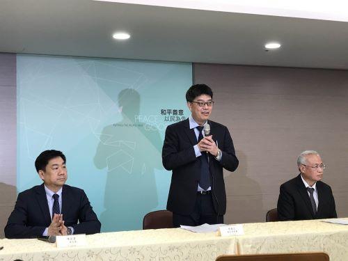 MAC spokesman Chiu Chui-cheng (邱垂正)