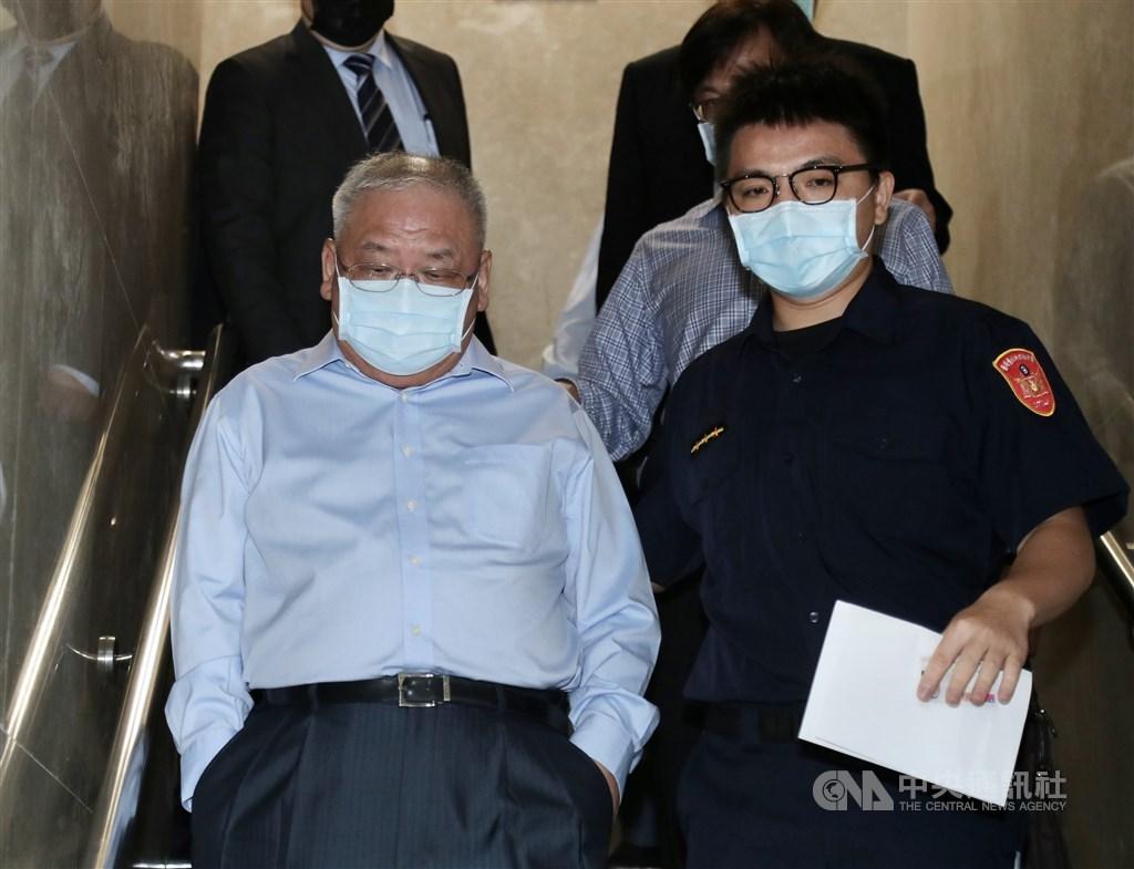Cashbox Partyworld KTV Chairman Lien Tai-sheng (front, left)