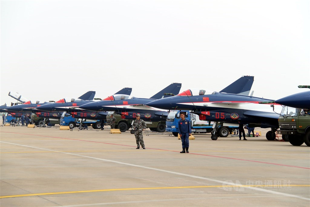 Chengdu J-10 fighters at the 2010 Airshow China. / CNA file photo