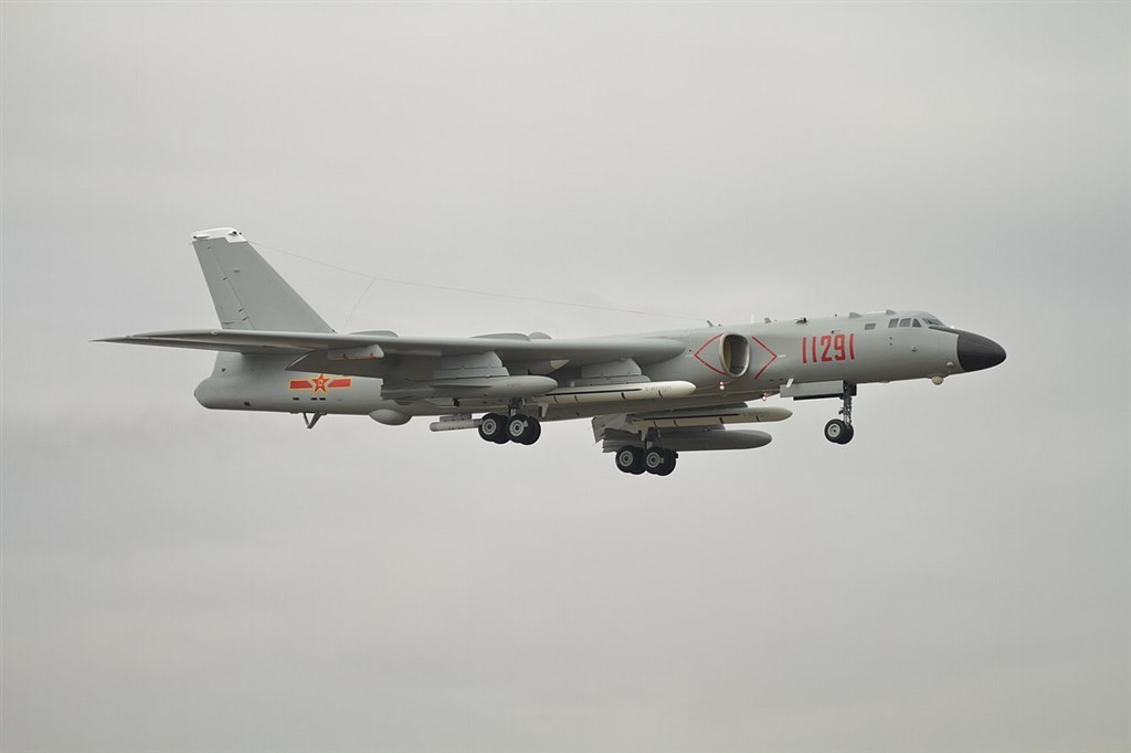 A Chinese Xian H-6 bomber / Image taken from Wikimedia Commons