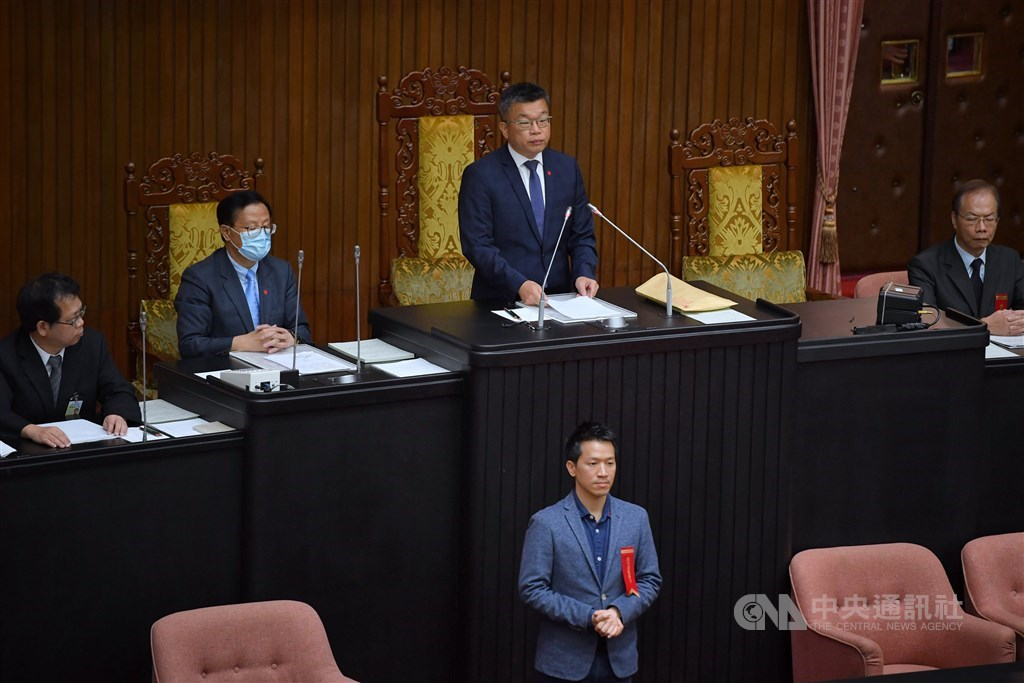 Deputy Speaker Tsai Chi-chang (center, back row) announced the results. CNA photo July 10, 2020