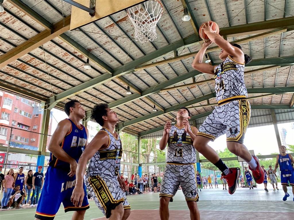 CIASI Taichung Winter Basketball League Season 1 finals / CNA photo Aug. 30, 2020