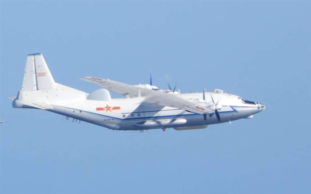 A PLA Y-8 anti-submarine airplane. File photo courtesy of the Ministry of National Defense