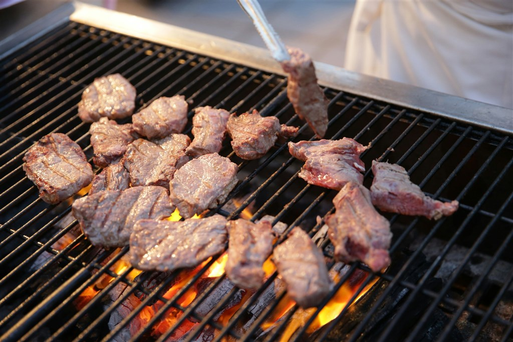 Grilled Paraguayan beef at a state banquet. File photo courtesy of the Presidential Office