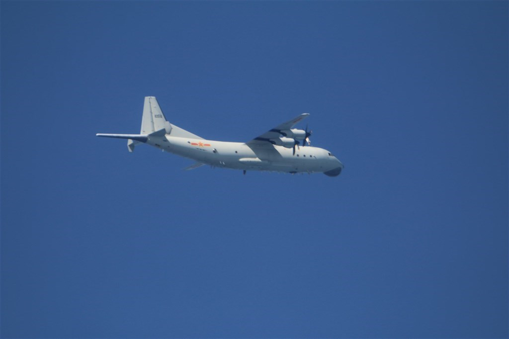 A Y-8 anti-submarine plane (Photo courtesy of the Ministry of National Defense)