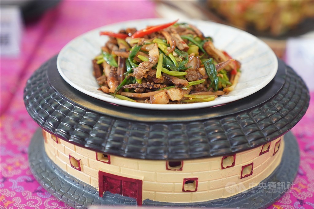 One of the several Hakka stir-fry dishes displayed at the press conference in Taipei Wednesday. CNA photo Dec. 2, 2020