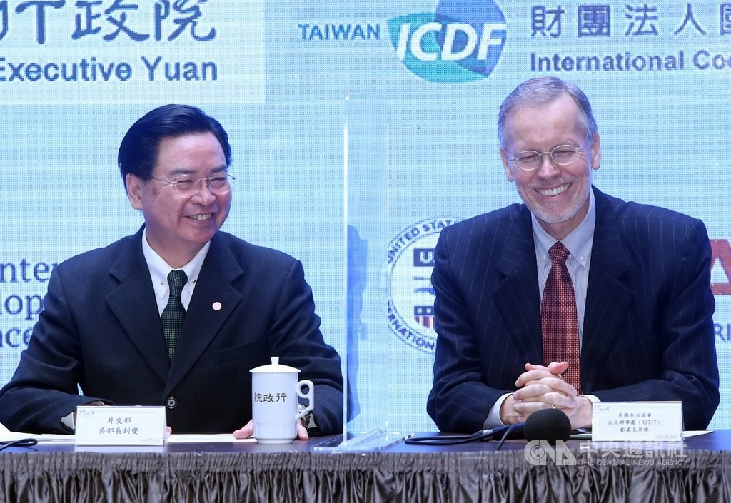 Foreign Minister Joseph Wu (left) and Brent Christensen. CNA photo Dec. 14, 2020