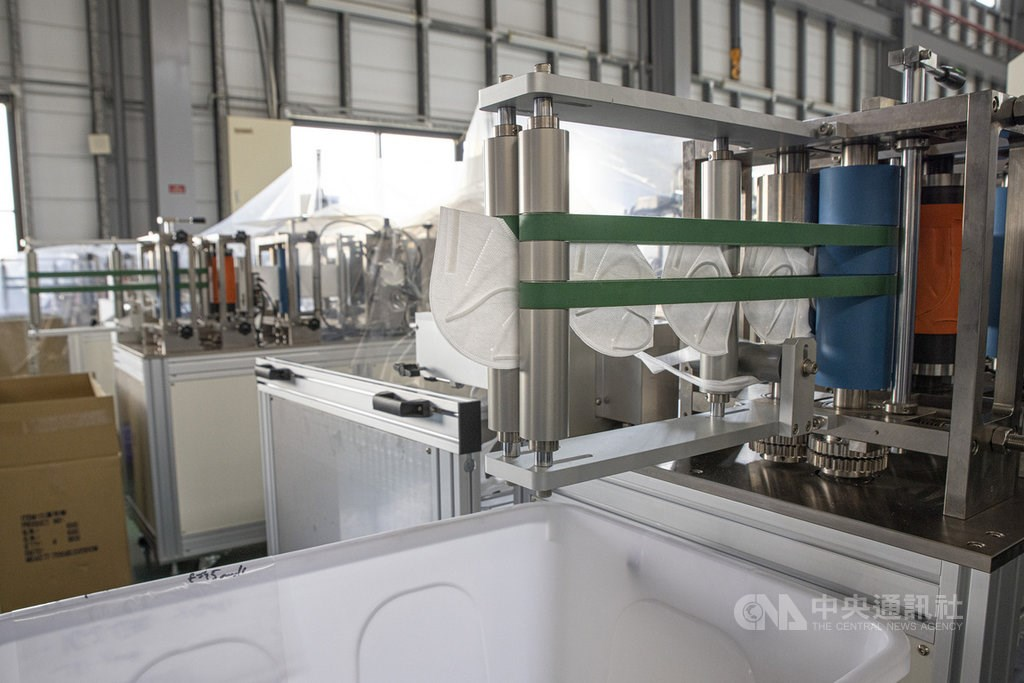 A face mask production line at a Autoland Technology factory in Taiwan. CNA photo Dec. 20, 2020