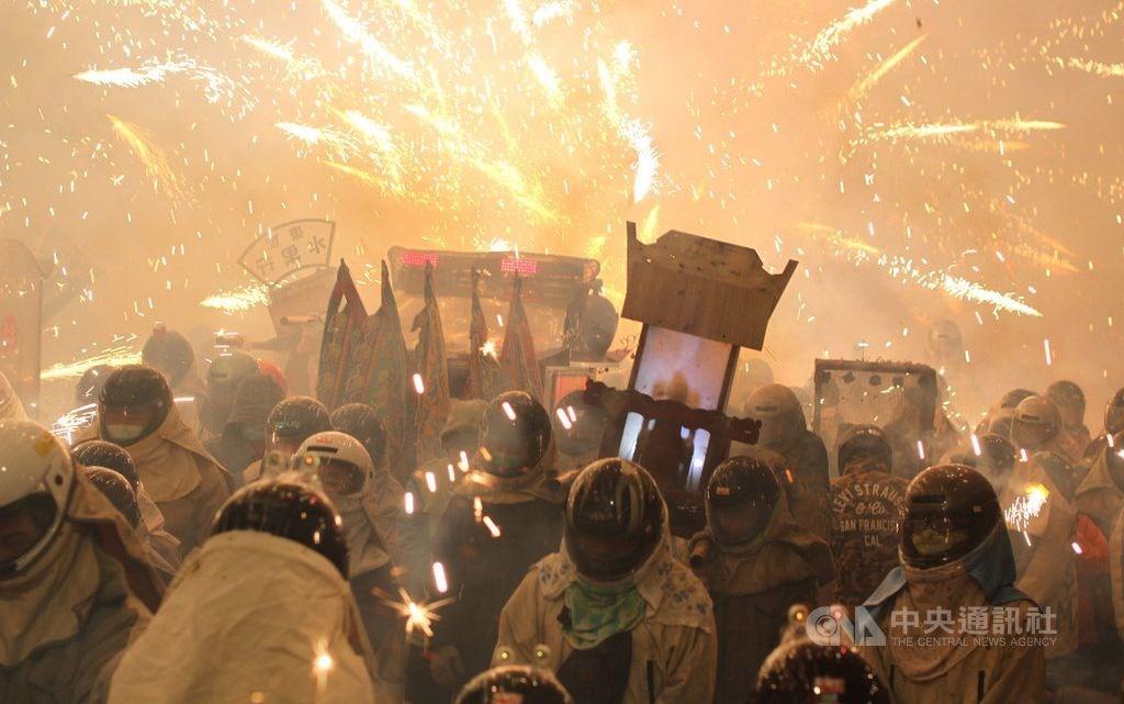 Yanshui beehive fireworks. CNA file photo