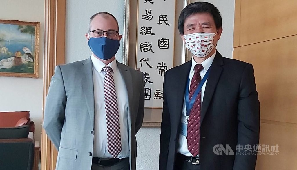 Lo Chang-fa (left) with David Bisbee. Photo courtesy of the Taiwan mission to the WTO