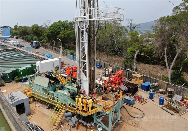 Groundwater drilling at Liyutan Reservoir in Miaoli County. CNA file photo