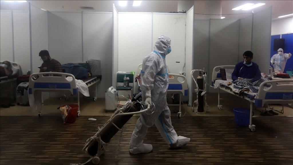 In a hospital in New Delhi. Photo courtesy of Anadolu Agency