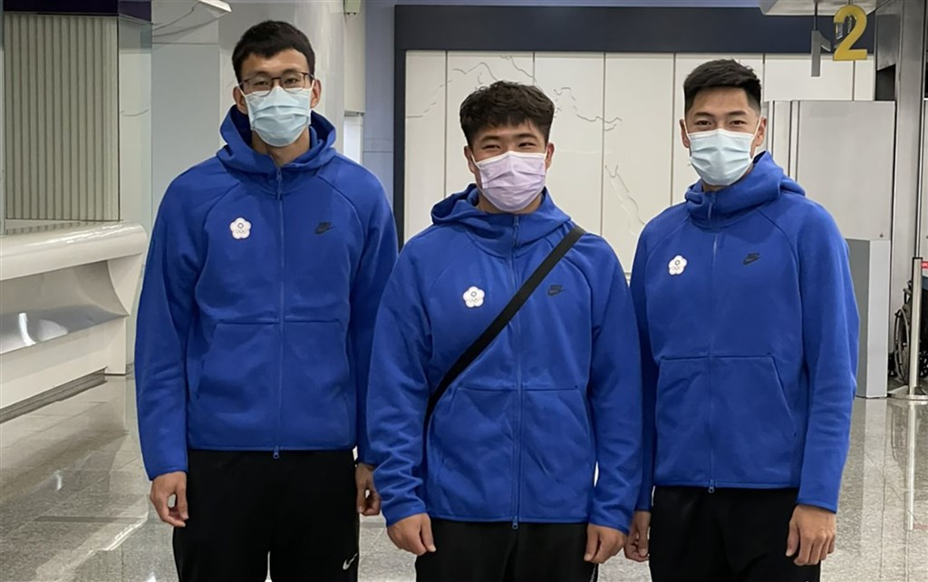 From left: Chen Kuei-ru, Huang Shih-feng and Chen Chieh. Photo courtesy of the Chinese Taipei Athletics Association