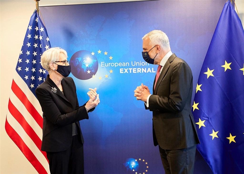 U.S. Deputy Secretary of State Wendy Sherman greets European External Action Service Secretary-General Stefano Sannino. Photo from twitter.com/SanninoEU