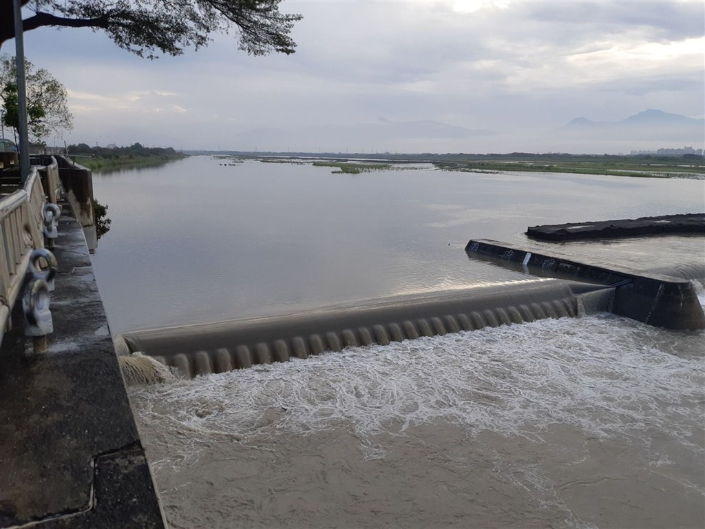 Gaoping River Weir. Photo courtesy of the southern Taiwan branch of WRA