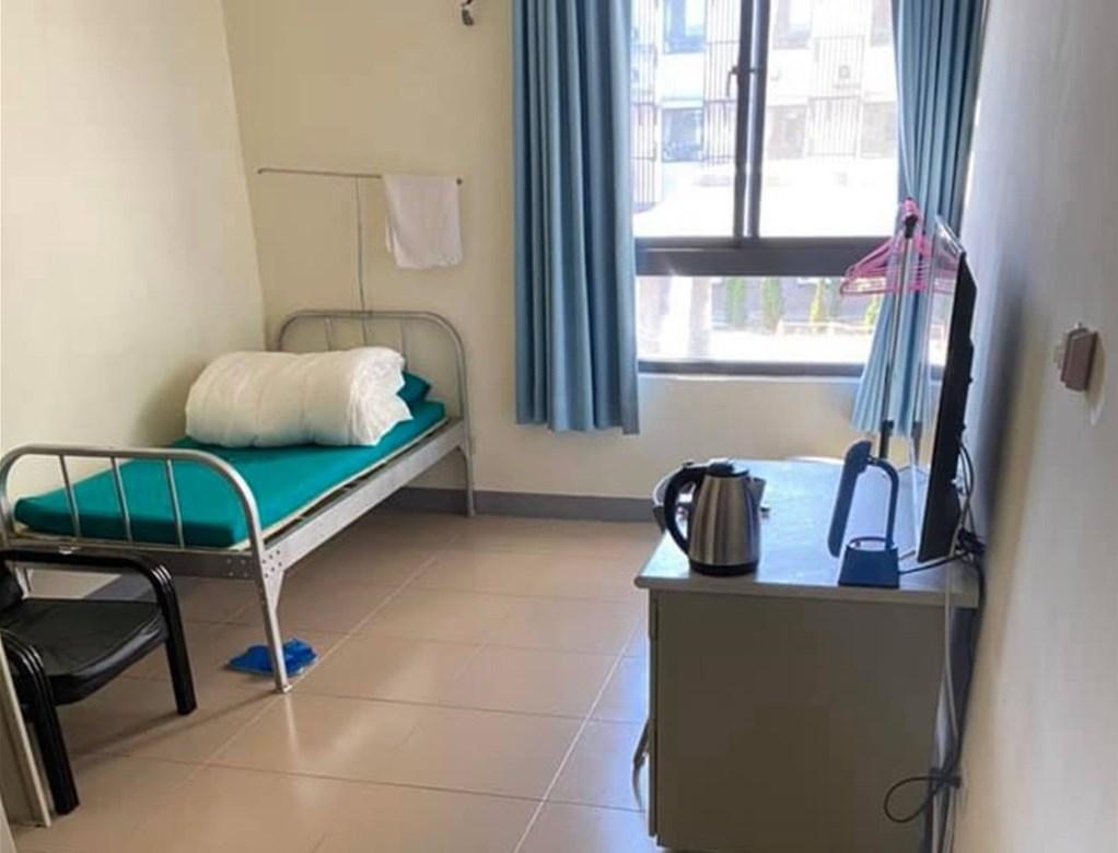 A single room in a government-designated quarantine center. Photo courtesy of CECC official Wang Pi-sheng