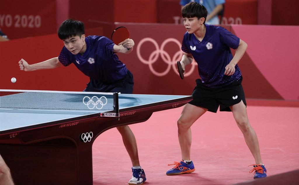 Lin Yun-ju (left) and Cheng I-ching. CNA photo July 26, 2021