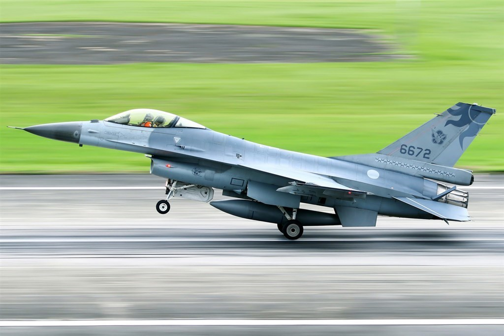An F-16 fighter jet. CNA file photo courtesy of a member of the public