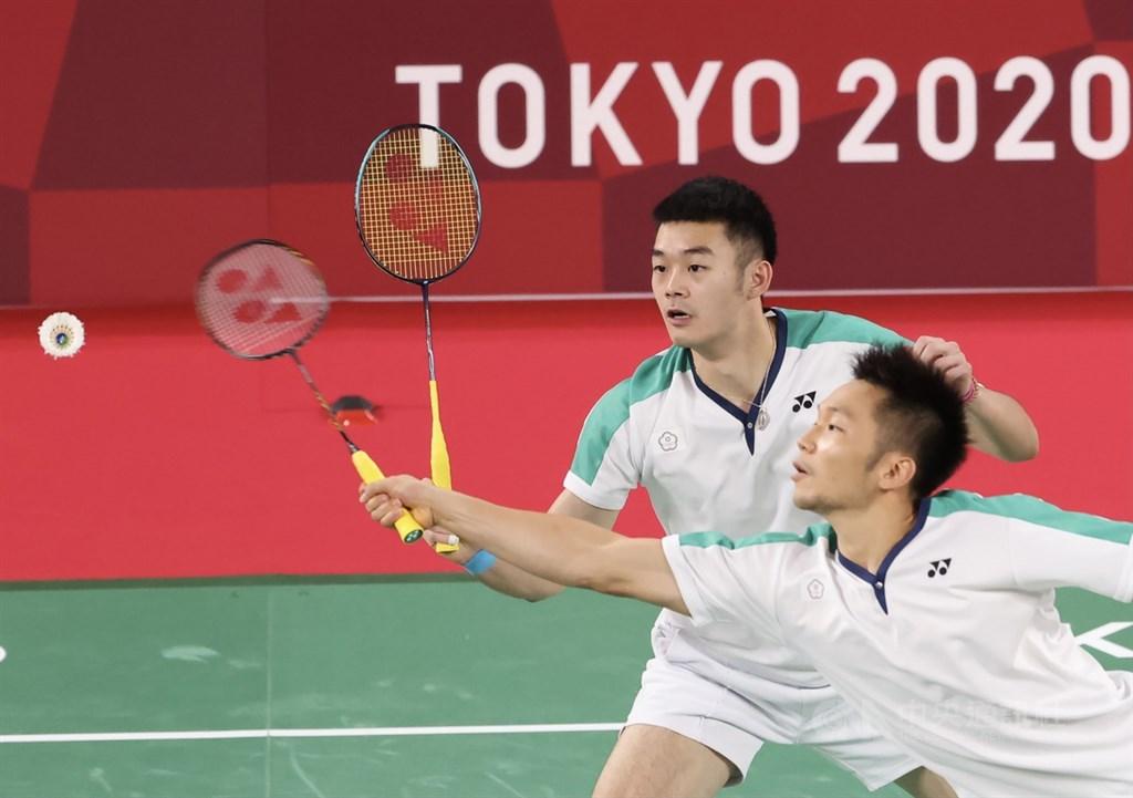 Lee Yang (front) and Wang Chi-lin at the gold medal match. CNA photo July 31, 2021